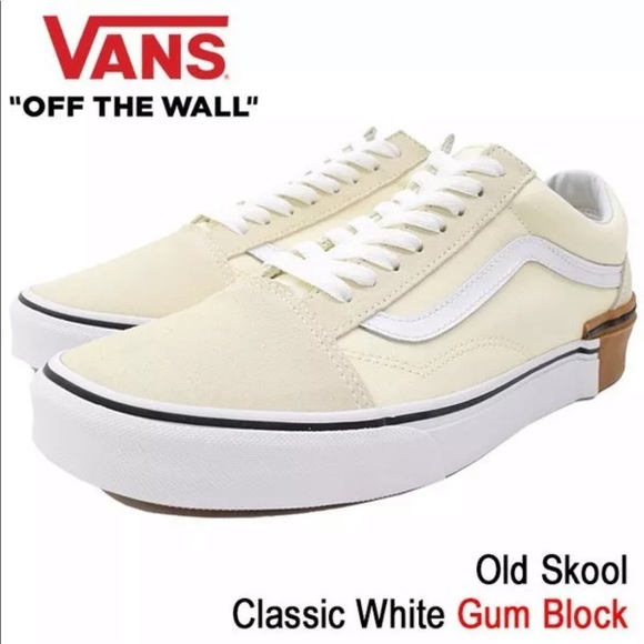 a7b03e4f13 Vans Men s Old Skool Classic White Gum Block
